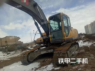 约翰迪尔E240LC挖掘机