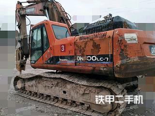 斗山DH300LC-7挖掘机