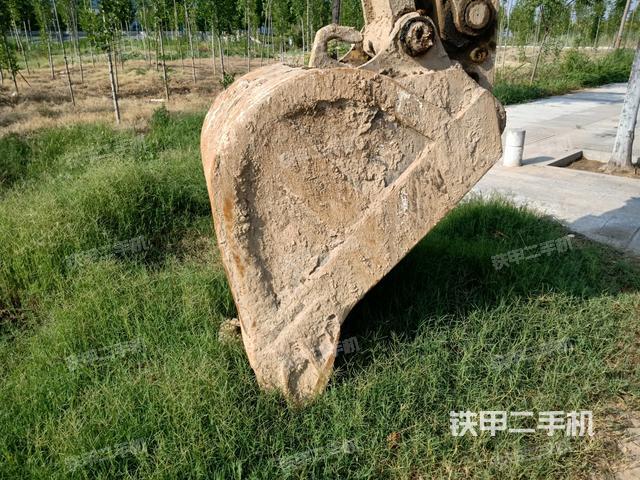 山东滨州市小松PC200-7挖掘机