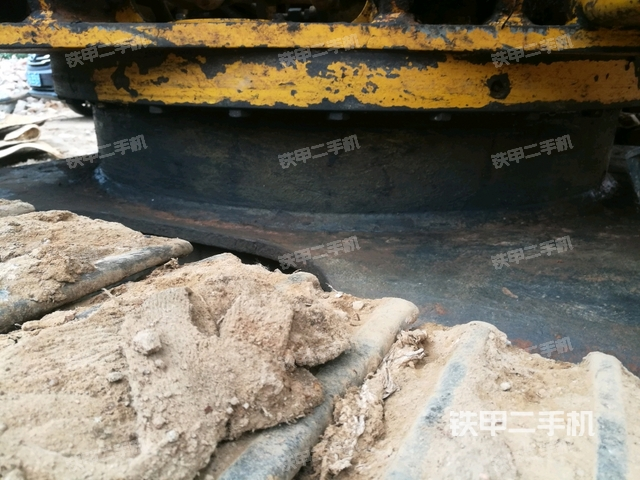 广东湛江市加藤HD512挖掘机