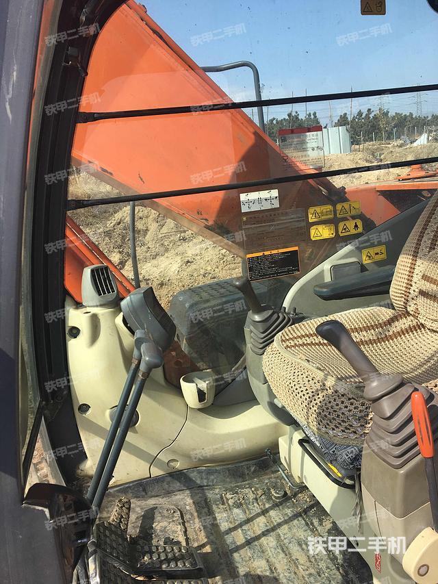 山东青岛市日立ZX240-3进口挖掘机