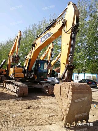 三一重工SY215C-10挖掘机