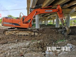 斗山DH220LC-7挖掘机