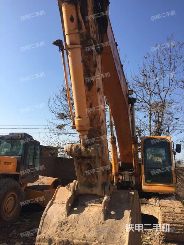 陕西咸阳市现代R335LC-7挖掘机