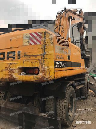 现代R210W-7挖掘机