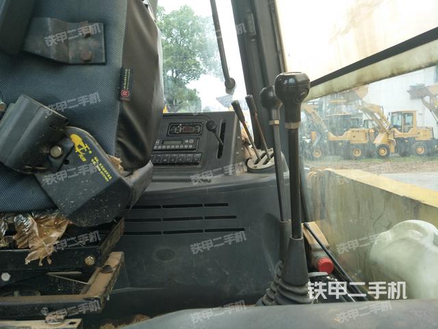湖南长沙市柳工CLG777A两头忙