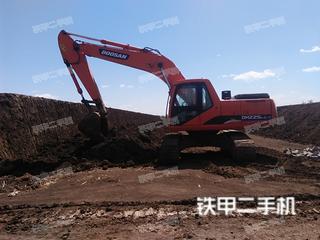 斗山DX225LC挖掘机