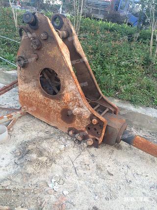 东空TNB-6M三角型破碎锤