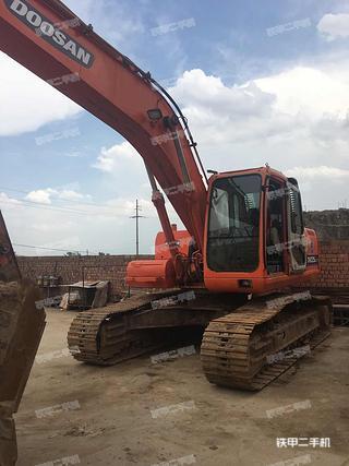 斗山DH225-7挖掘机