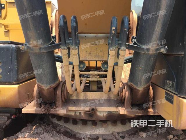 广东韶关市卡特彼勒329D挖掘机