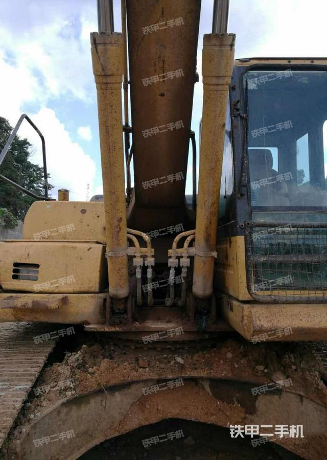 贵州黔西南布依族苗族自治州小松PC210-8挖掘机