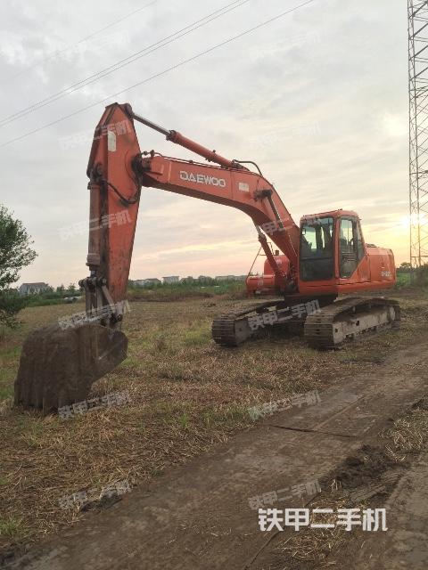 江苏南通市斗山DH220-5挖掘机