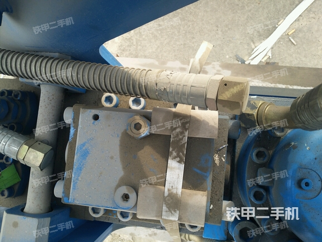 江苏徐州市水山SB121三角型破碎锤