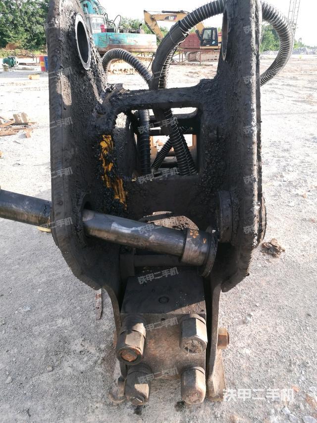 广西贵港市水山SB140三角型破碎锤