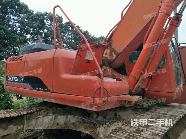 山东烟台市斗山DH300LC-7挖掘机