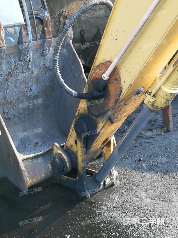 山东济宁市柳工CLG225C挖掘机