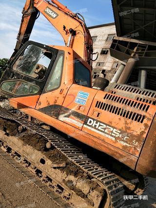 斗山DH225LC-9挖掘机