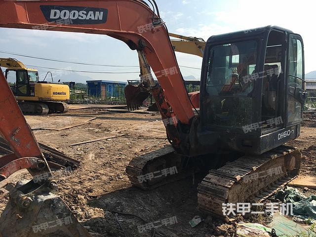 浙江丽水市斗山DH60-7挖掘机