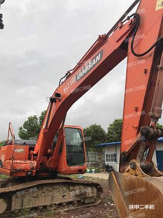 斗山DH215-9挖掘机
