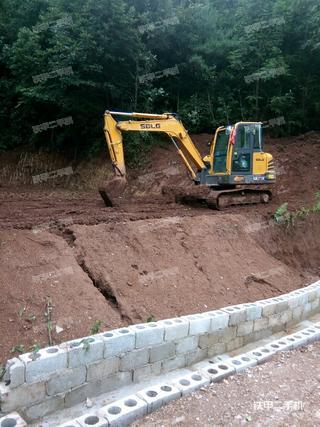 临工E665F挖掘机