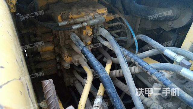 河南许昌市小松PC200-7挖掘机
