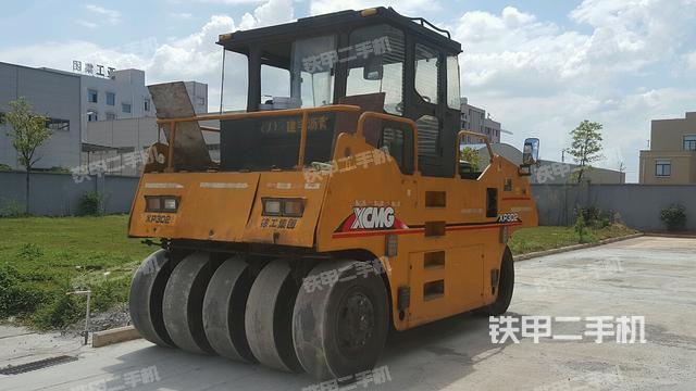 湖南长沙市徐工XP302压路机
