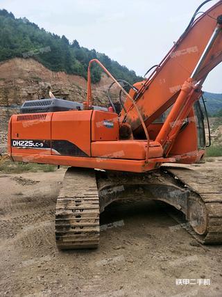 斗山DX215-9C挖掘机