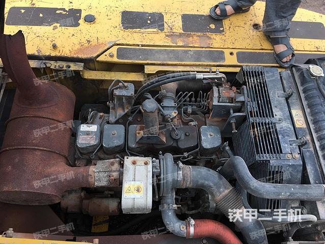 浙江丽水市小松PC220-7挖掘机