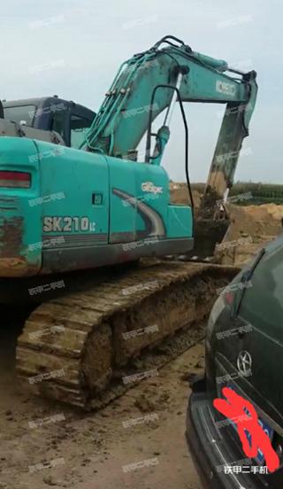 神钢SK210LC挖掘机