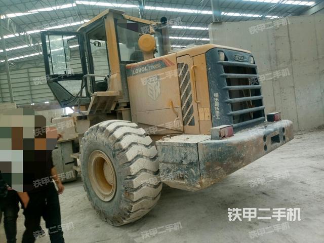 河南安阳市雷沃重工FL955F装载机