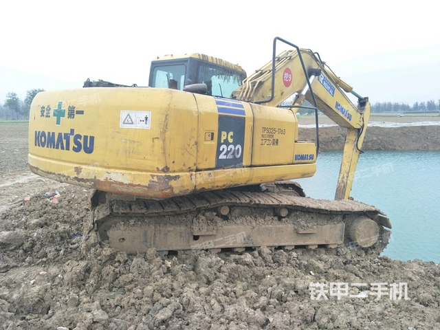 安徽宿州市小松PC200-7挖掘机