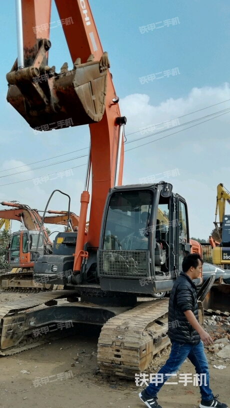 河北保定市场日立ZX240-3国产挖掘机