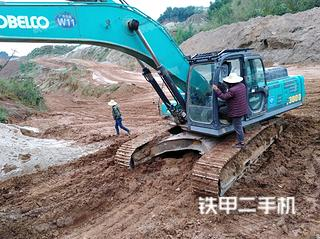 神钢SK380D挖掘机
