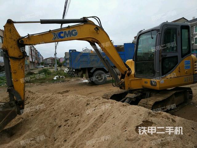 湖北黄冈市徐工XE65CA挖掘机