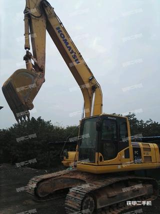 小松PC220-8M0挖掘机