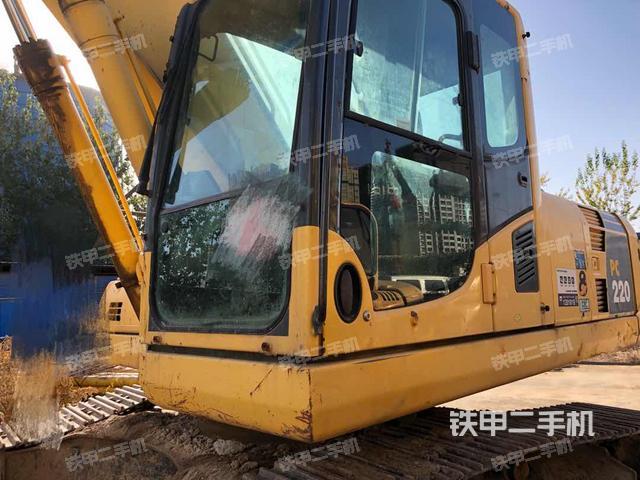 河北石家庄市小松PC220-8挖掘机