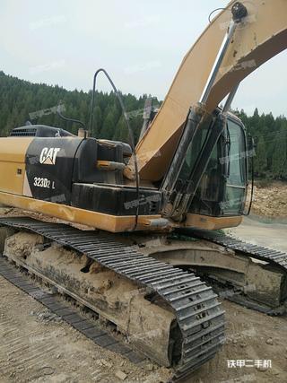 卡特彼勒323D2L挖掘机