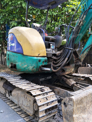 小松PC35MR-1挖掘机