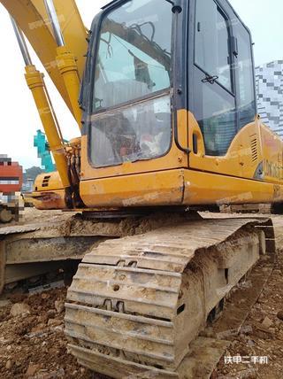 龙工CDM6150挖掘机