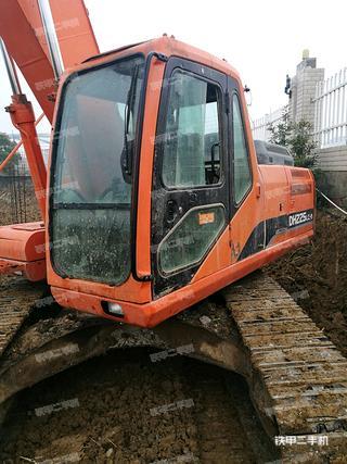 斗山DH225-9挖掘机