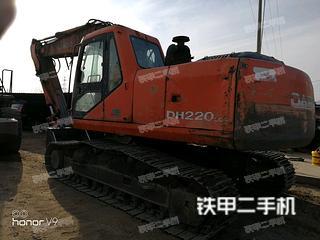 斗山DH220-5挖掘机