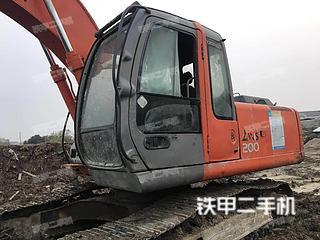 日立ZX200挖掘机