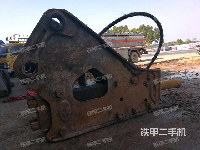 浙江衢州市水山SB81三角型破碎锤