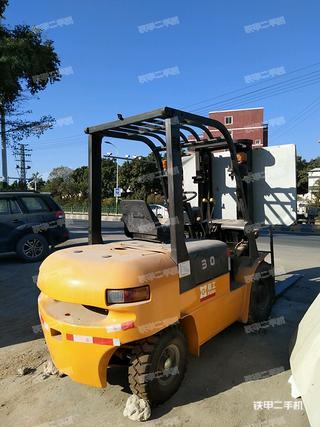 厦工XG530-DT5内燃平衡重式叉车