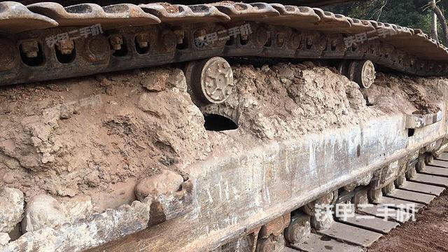 广西贺州市沃尔沃EC210B挖掘机
