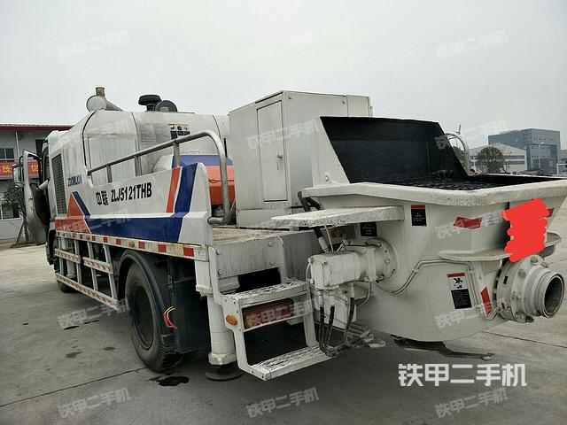 中联重科5121车载泵 中联重科37米泵车