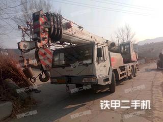 中国重汽25吨五节臂起重机
