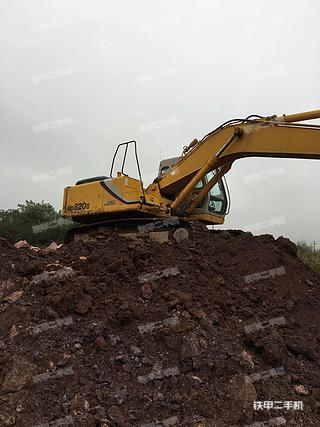 加藤HD820III挖掘机