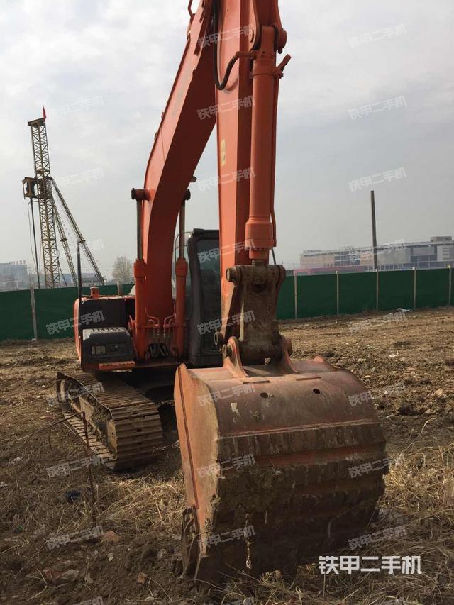 安徽合肥市日立ZX120国产挖掘机