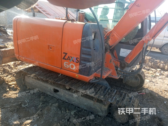 山东青岛市日立ZX60国产挖掘机